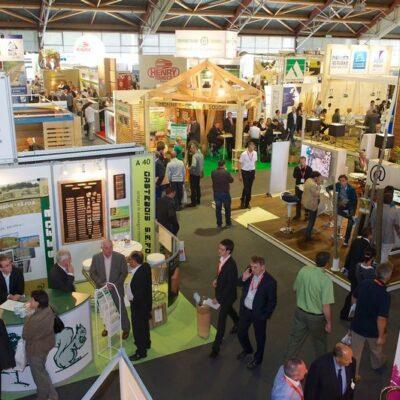 Exposition de Produits en Bois à Nantes, France